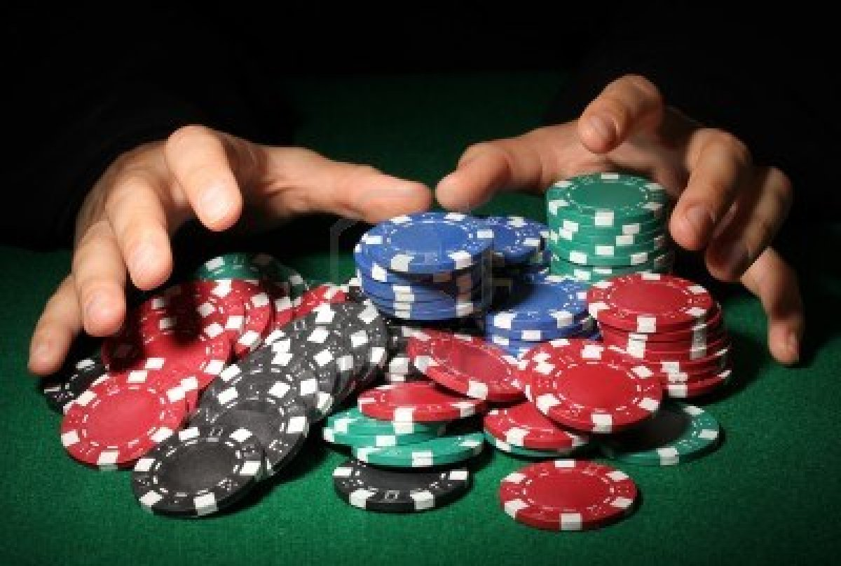 http://www.bankrollmob.com/pokernews_images/Blog/poker_chips_3.jpg