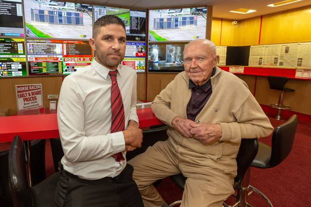 Grandpa Kicks Ass thwarting Robbers at Irish Bookmaker Shop