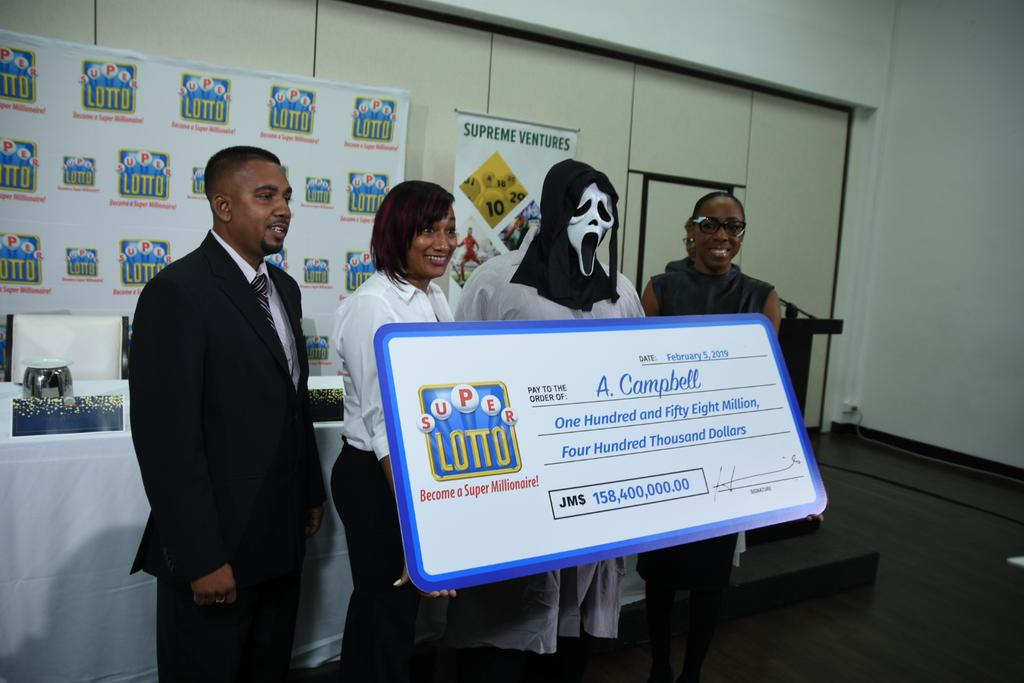 Lottery Winner ingeniously Hides Identity while Claiming Prize by wearing 'Scream