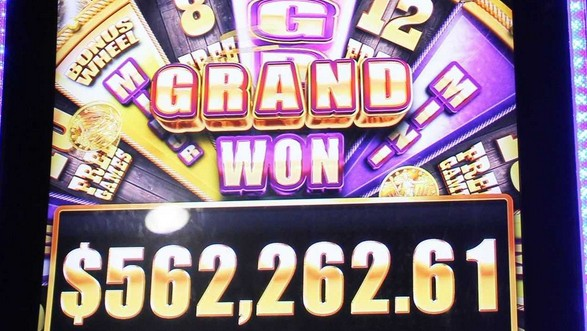 Woman almost collapses after Winning over $500,000 on Slot Machine