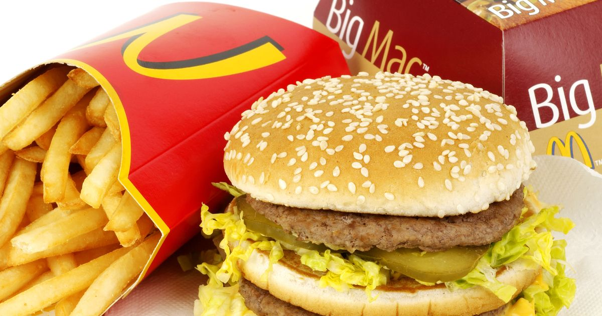 Baccarat Player caught Cheating attempts to Bribe IGC Agent with Big Macs