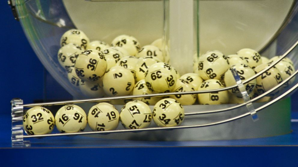 Bartender tipped with Lottery Ticket that ended up Winning $50,000